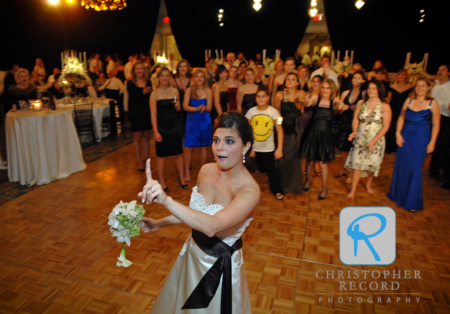 Jackie did a little fake-out on the first attempt at the bouquet toss