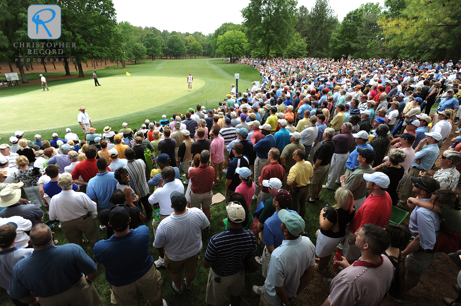 It's easy to find Tiger on the course - look for the crowds