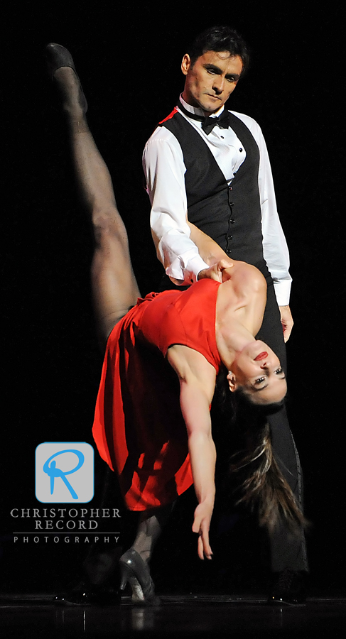 Rebecca Carmazzi dips with help from Sasha Janes