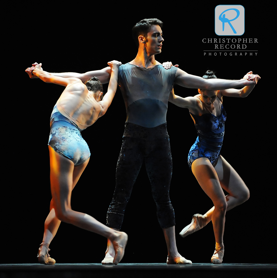 Alessandra Ball and Ann Gerberich move around xxx in Alonzo King's MAP
