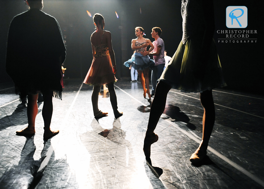 Dancers get ready to kick up their heels in Shindig