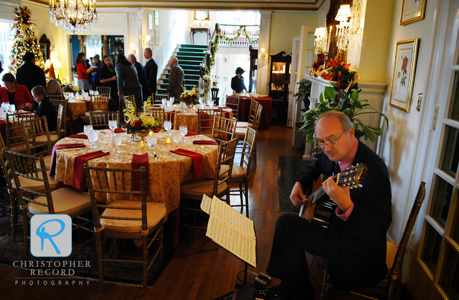 Guitarist Charles Vaughn adds to the atmospher at The Morehead Inn