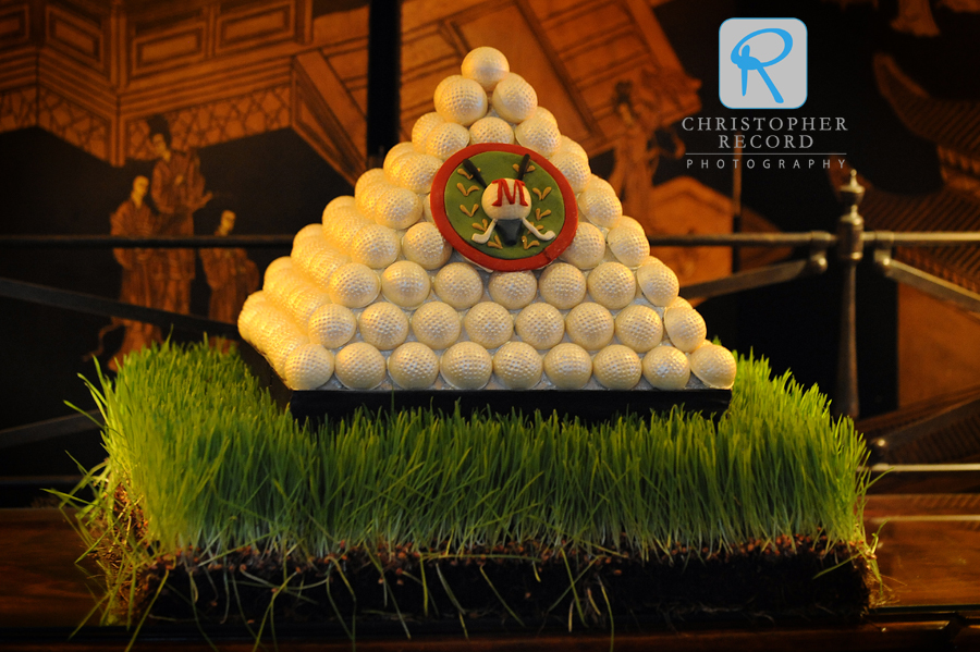 Amazing cake from The Wow Factor's Amy Craparo paid tribute to Brad's love of the links