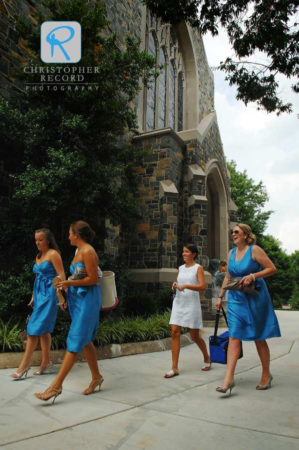 Tanner and the bridesmaids arrive at Myers Park Presbyterian Church