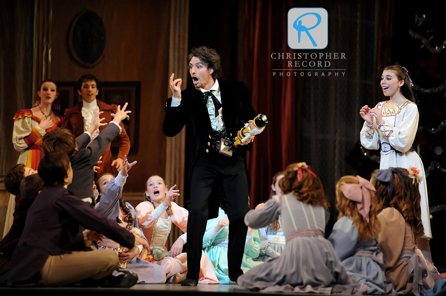 Drosselmeyer has everyone's attention