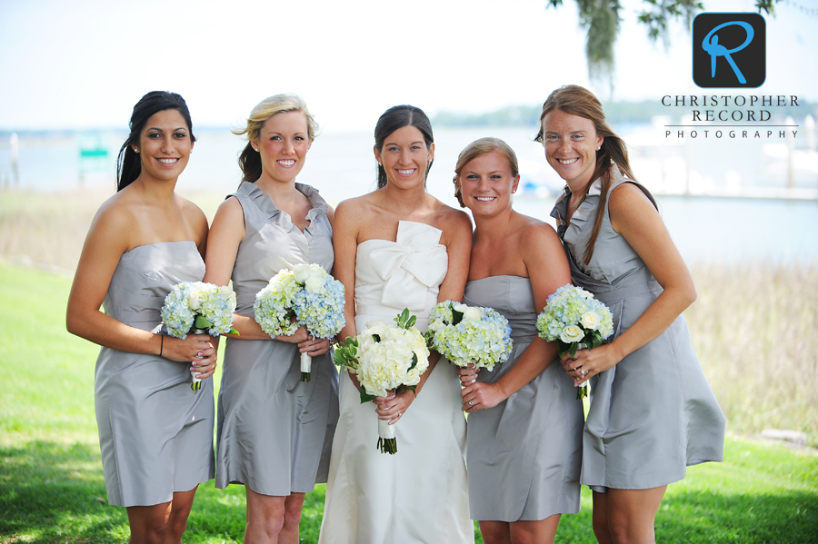 Marianna and her bridesmaids