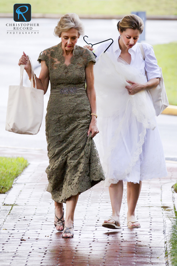 Betsy and her mother Laura arrive at Christ Episcopal Church