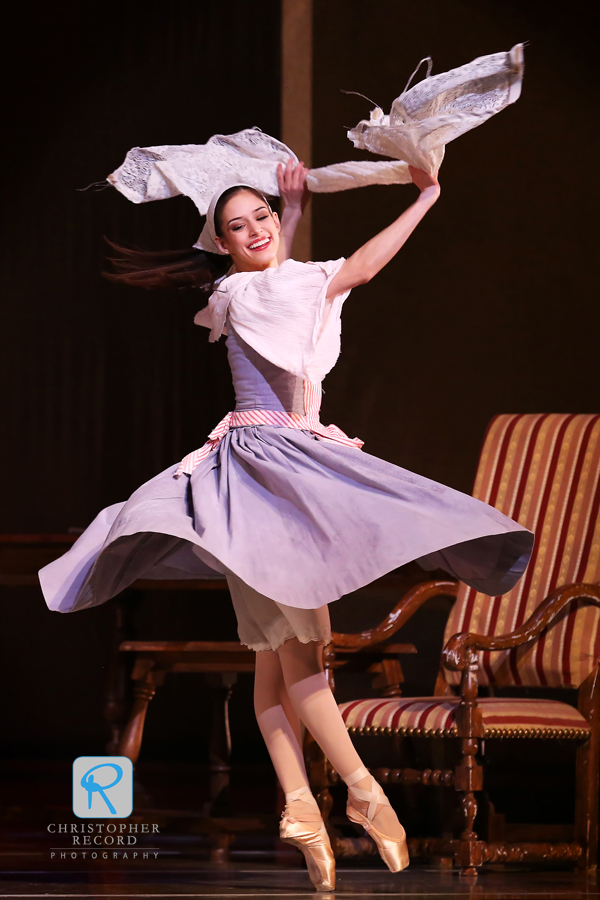Anna Gerberich spins as Cinderella