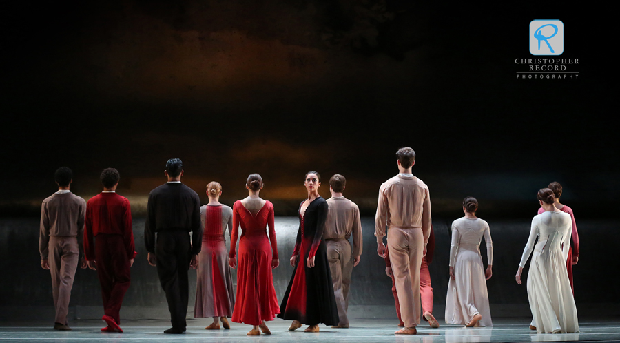 North Carolina Dance Theatre (now Charlotte Ballet) performs Jiri Kylian's Forgotten Landlotte b