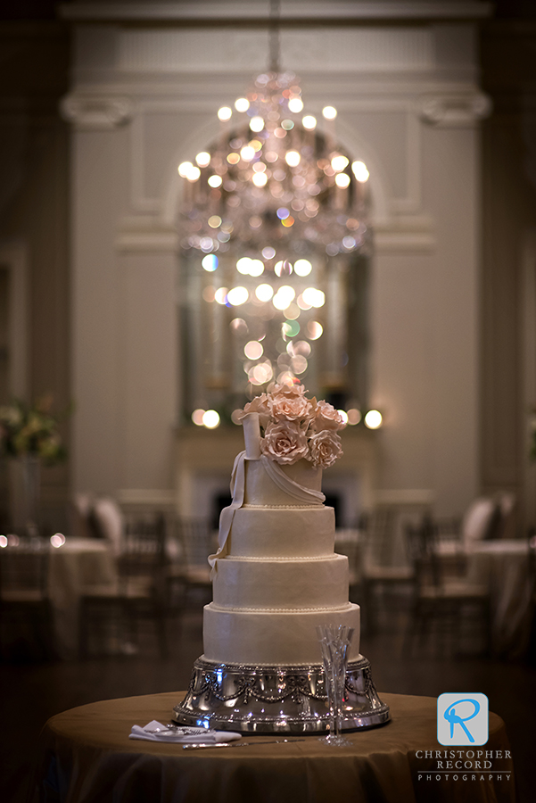 A beautiful Kathy Allen cake at Charlotte Country Club